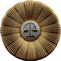1. The <i>bengoshi kish&#333;</i>, worn by trial lawyers. | COURTESY OF JAPAN FEDERATION OF BAR ASSOCIATIONS