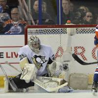 Fleury stymies Oilers in shutout