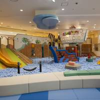 Letting of steam: The AsoBono play area, with slides, ball pits and other activity equipment is ideal for kids age 6 and under. | COURTESY OF TOKYO CITY DOME