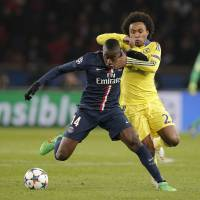 Chelsea claims draw away to PSG