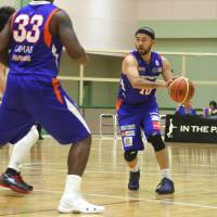 Staying on: Robots veteran guard Kazuyuki Nakagawa re-signed with the NBL club's new management after a massive overhaul in December. | KAZ NAGATSUKA