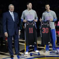 Splash Brothers: Warriors executive Jerry West (left) presents NBA All-Star jerseys to guards Klay Thompson (11) and Stephen Curry (30) on Wednesday, Feb. 4, 2015, in Oakland, California. | AP