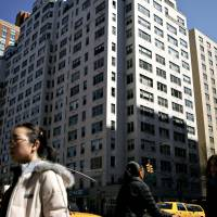 Chinese seeking U.S. homes spawn $250,000 tours by private jet
