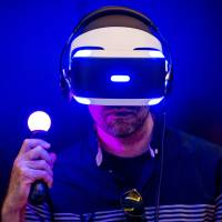 Sony total-vision headset will be reality in 2016