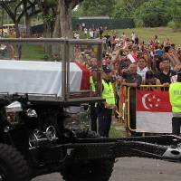 Singaporeans bid final farewell to founding father Lee