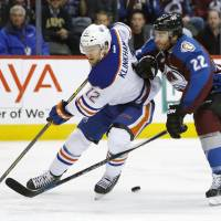 Canucks continue strong play on road