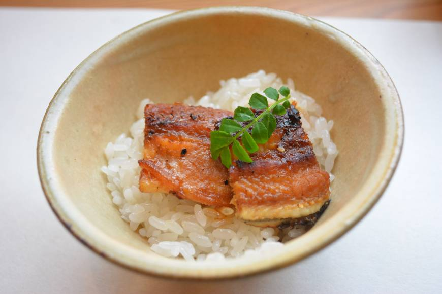 Elegant: Steamed sticky mochi rice topped with unagi (eel). | J.J. O'DONOGHUE
