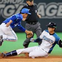 Work out the kinks: Shohei Otani and the Fighters are 0-4-2 so far in exhibition games. | KYODO