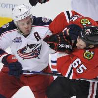 Blue Jackets cruise past Blackhawks