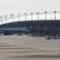 Foreign international passengers at Kansai airport top Japanese for first time