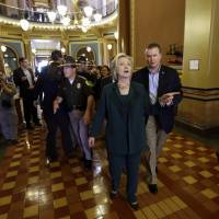 Clinton wraps up Iowa swing with pledge to help small businesses, ease their tax headaches