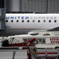 SkyWest cabin pressure emergency spurs FAA probe