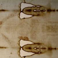 Shroud of Turin goes back on display for faithful and curious
