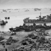 Formidable force: U.S. landing craft establish a beachhead on the Okinawan mainland on April 13, 1945. | WIKIMEDIA COMMONS/NATIONAL ARCHIVES AND RECORD