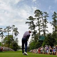 Spieth grabs five-shot lead at halfway point of Masters