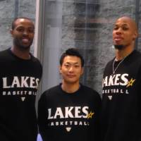 Championship experience: Shiga forwards Jeff Parmer (left) and Ray Nixon (right) both won titles as Hamamatsu players, while Lakestars head coach Koto Toyama earned a ring as a Hamamatsu assistant. | ED ODEVEN