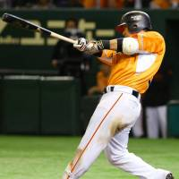 Big night: The Giants' Shuichi Murata goes 2-for-2 with a home run, three RBIs and a walk against the Dragons on Thursday at Tokyo Dome. Yomiuri defeated Chunichi 5-3. | KYODO