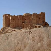 Syrian forces, civilians flee as Islamic State storms ancient city of Palmyra