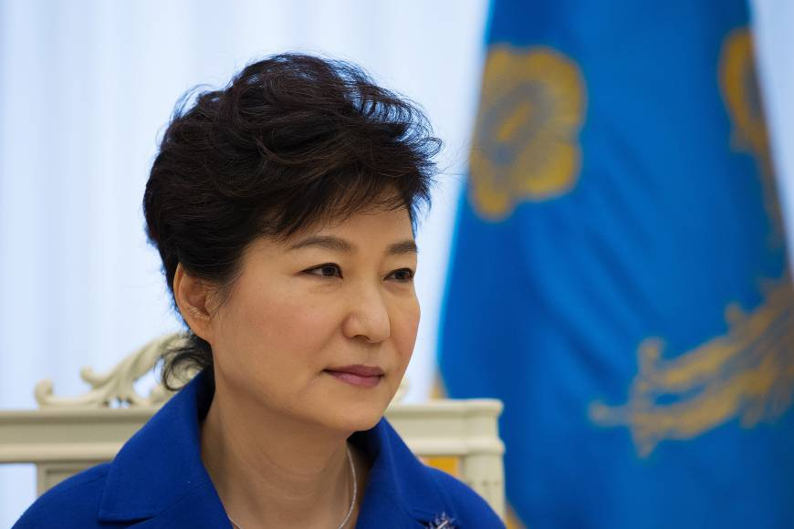 Park signals two-track foreign policy toward Japan