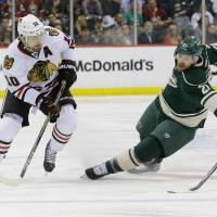 Blackhawks sweep Wild