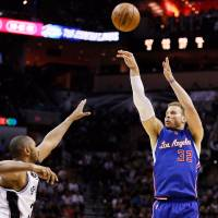 Clippers battle past Spurs, force Game 7