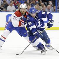 Kucherov's pair help Lightning oust Canadiens