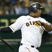Francisco lifts Giants to victory in NPB debut