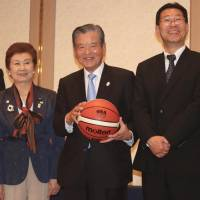 New era: (From left) New Japan Basketball Association board members Yuko Mitsuya, Kiyoko Ono, Saburo Kawabuchi and Masaaki Okawa appear at a Tokyo news conference on Wednesday. | KAZ NAGATSUKA