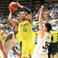Hitachi forces decisive Game 3 against Toyota in NBL semifinals
