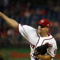 Strasburg leaves with shoulder ailment as Nationals fall against Marlins