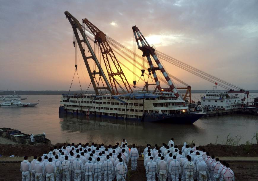 Death Toll Jumps To Nearly In Yangtze River Cruise Ship - Cruise ship rescue