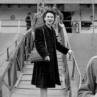 Beate Sirota Gordon, who helped draft the country's Constitution, leaving Japan in 1947.   © THE ARCHIVES OF BEATE SIROTA GORDON