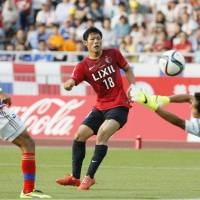 Antlers click on offense in rout of Marinos