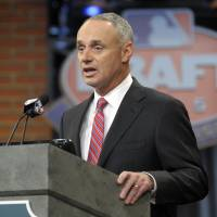 Manfred says MLB tracks hackers