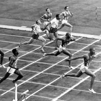 American Henry Carr, who died at 73 on May 29, is seen here winning the 200-meter final at the Tokyo Olympics on Oct. 17, 1964, at National Stadium. | AP