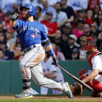 Blue Jays beat Red Sox to pick up 10th straight win