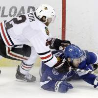 Vermette puts Blackhawks on brink of Stanley Cup glory