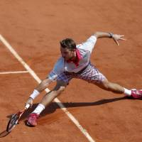 Wawrinka beats Tsonga, books spot in final