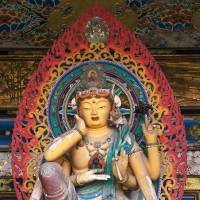 A female deity of faintly Indian provenance graces an alcove at Kosanji Temple. | STEPHEN MANSFIELD