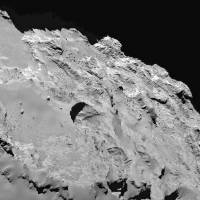 A handout photo provided by Nature on Wednesday shows a close-up image of the most active pit, known as Seth 01, observed on the surface of the comet 67P/Churyumov-Gerasimenko by the Rosetta spacecraft. | THE UNIVERSITY OF MARYLAND, COLLEGE PARK / NATURE / AFP-JIJI