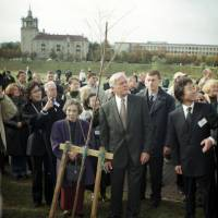 Sugihara's widow, Yukiko, plants a tree in memory of her late husband in Vilnius, Lithuania, in 2001. | COURTESY OF TAISHO SHUPPAN