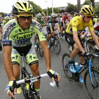Basso's withdrawal hits Contador's hopes at Tour