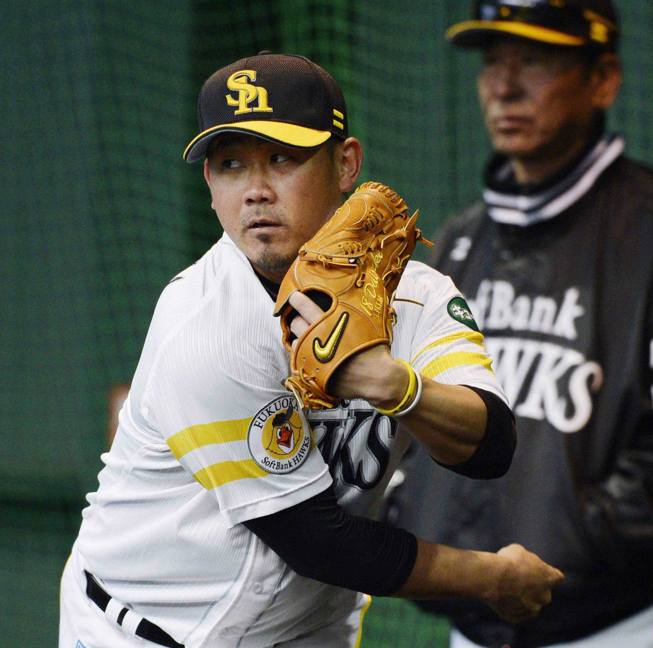 Two-time World Baseball Classic MVP Daisuke Matsuzaka has yet to pitch in a game for the Fukuoka Softbank Hawks this season due to an injury to his right shoulder. | KYODO