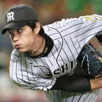 Shintaro Fujinami has earned a winning decision in four consecutive starts. | KYODO