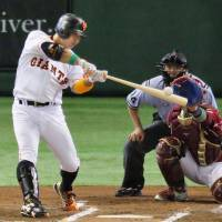 The Giants' Shinnosuke Abe belts a go-ahead home run in the sixth inning to lift the Central League in Game 1 of the All-Star Series on Friday night at Tokyo Dome. The CL defeated the Pacific League 8-6. | KYODO