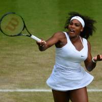 Williams beats Azarenka to set up semifinal clash with Sharapova