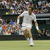 Federer, Murray to face off in semifinal