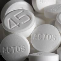 Actos pills, used to treat diabetes, are displayed at Skenderian Apothecary in Cambridge, Massachusetts. | BLOOMBERG