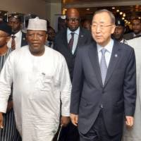 United Nations Secretary General Ban Ki-moon,  is flanked by Nigerian State Govs. Mallam Nasiru El-Rufia of Kaduna State (left), Abdul-aziz Abubakar Yari of Zamfara State (second, left) and Ibikunle Amusun of Ogun State in Abuja on Sunday. The head of the U.N. arrived in Nigeria Sunday in the wake of a suspected Boko Haram ambush on the country's army chief, to mark the Islamists' deadly 2011 attack on the global body. | AFP-JIJI