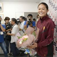 Homare Sawa meets with the media after practice on Wednesday in Kobe. | KYODO